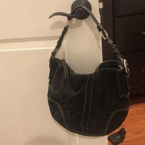 Authentic Coach shoulder bag. Great condition.